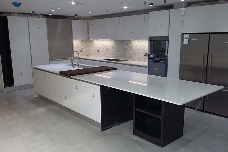 Handleless Kitchen Fitted